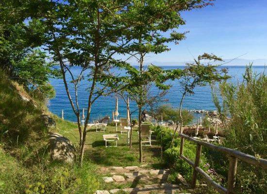 spiaggia-giardino-sentiero